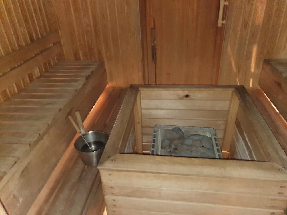 Kuva, joka sisältää kohteen sisä, lattia, puinen, puu Kuvaus luotu automaattisesti